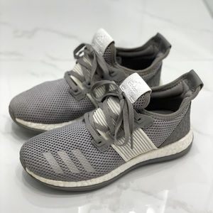 Adidas kids (unisex) 2016 ZG PUREBOOST shoes in us size 4